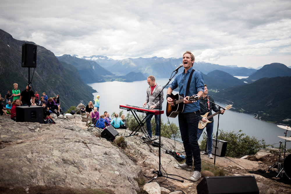 Postgirobygget playing at  the top of Nesaksla, at Raumarock 2016.
