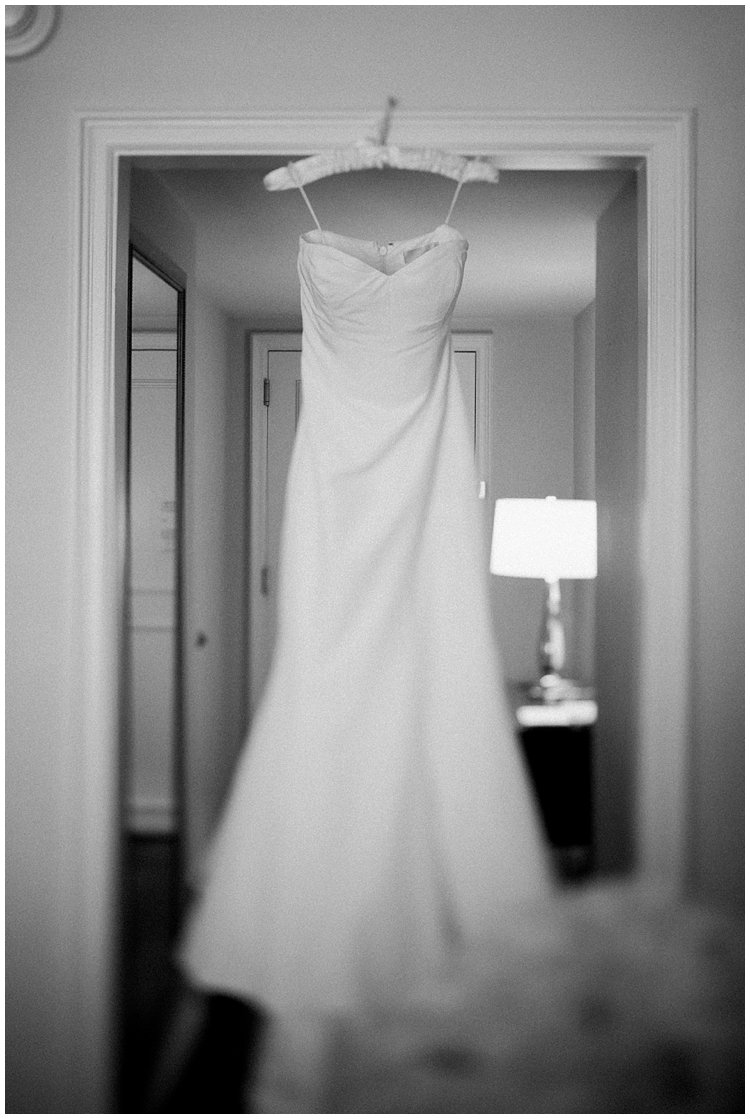 Ritz_Naples_bestweddingphotographer007.JPG