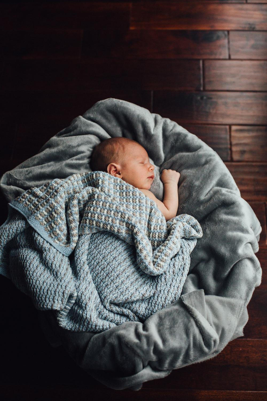 Micah_newborn-26.jpg