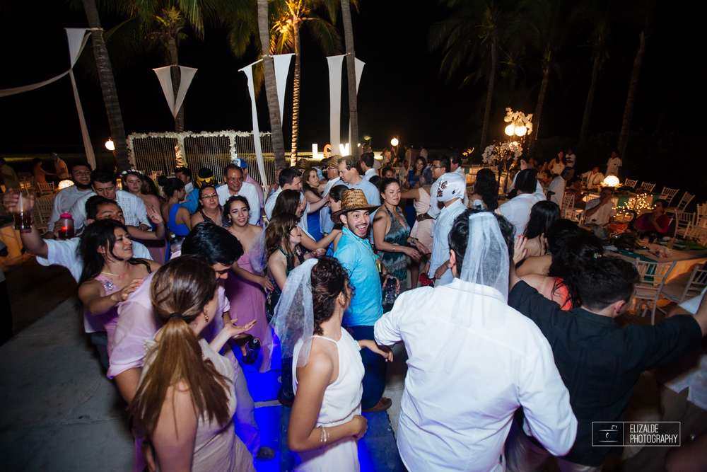 Pay and Ferran_Acapulco_Destination Wedding_Elizalde Photography-193.jpg