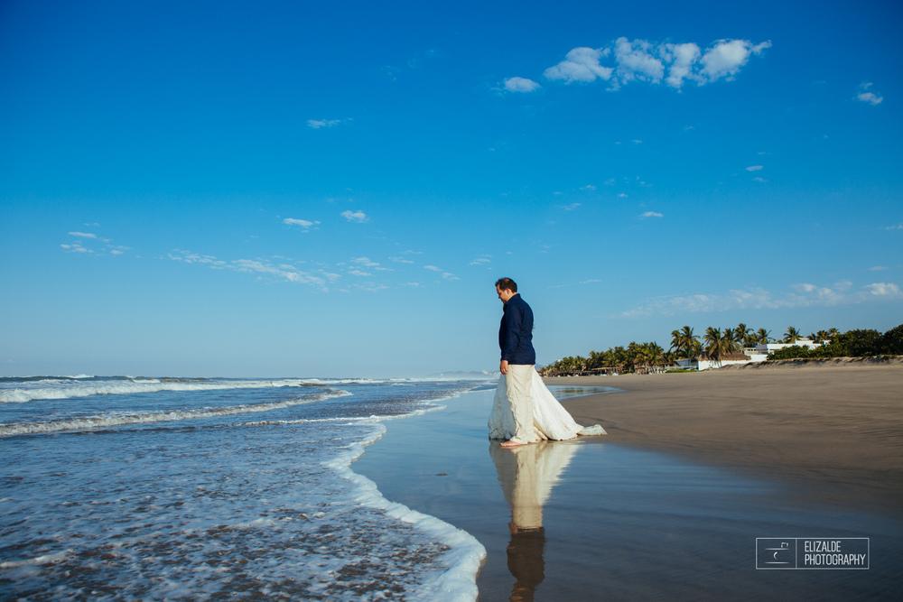 Acapulco Trash the dress_Pau and Ferran_Destination photographer-12.jpg