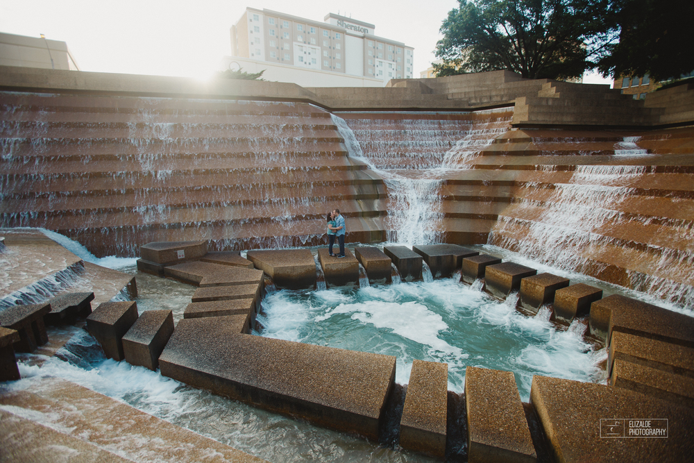 Engagement session_Theresa and Darren_DFW photographer_Elizalde Photographer_Water Garden Fort Worth2.jpg
