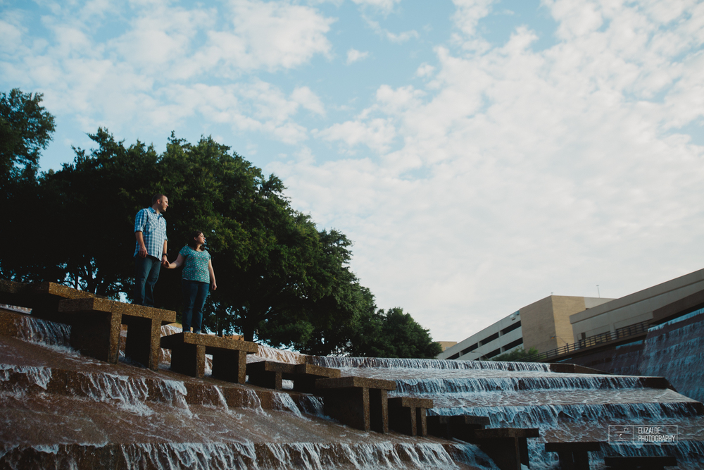 Engagement session_Theresa and Darren_DFW photographer_Elizalde Photographer_Water Garden Fort Worth4.jpg