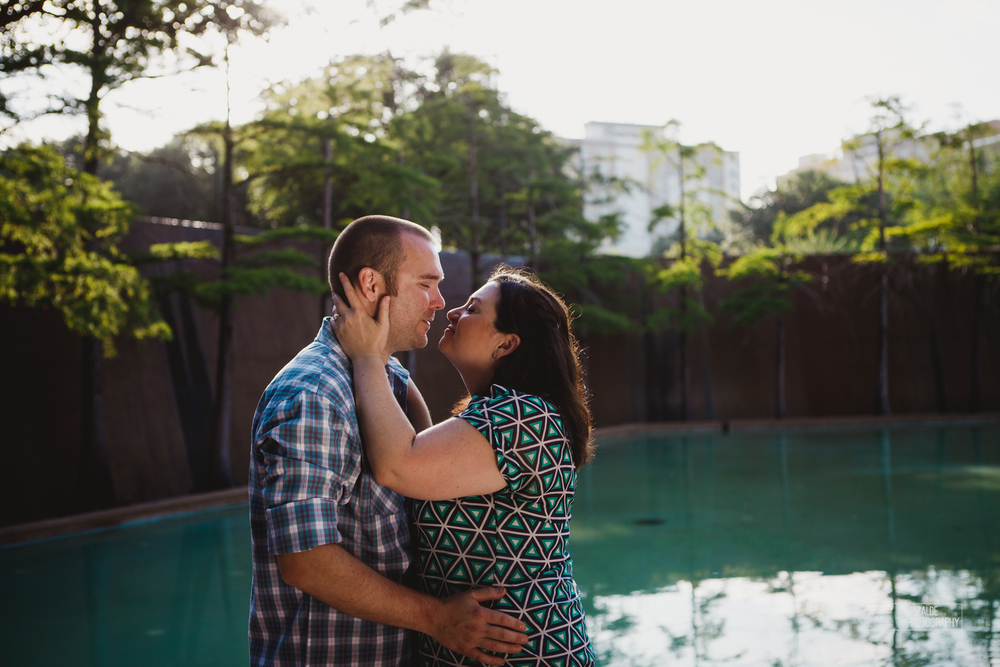 Engagement session_Theresa and Darren_DFW photographer_Elizalde Photographer_Water Garden Fort Worth10.jpg