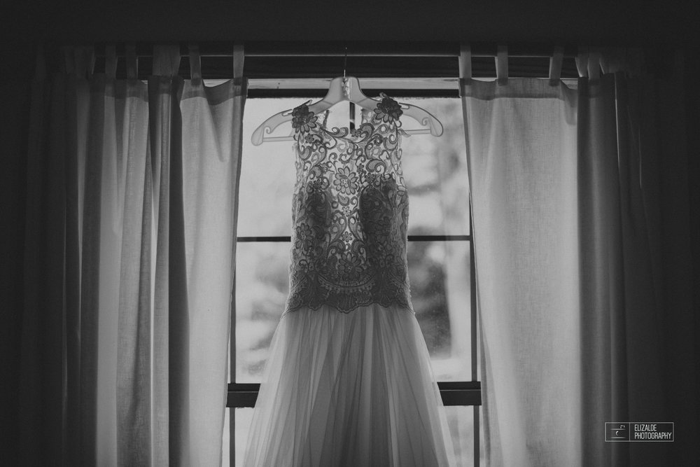 Wedding photographer Dallas_Elizalde Photography_DFW Wedding photographer_ Hickoty Hills_Wedding Photography (3 of 90).jpg
