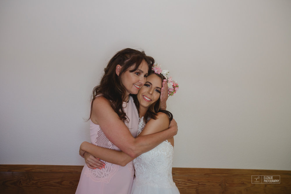 Wedding photographer Dallas_Elizalde Photography_DFW Wedding photographer_ Hickoty Hills_Wedding Photography (24 of 90).jpg