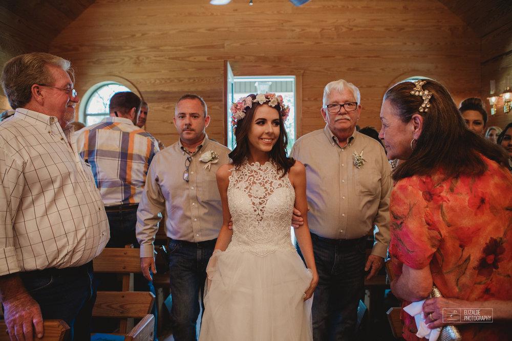 Wedding photographer Dallas_Elizalde Photography_DFW Wedding photographer_ Hickoty Hills_Wedding Photography (36 of 90).jpg