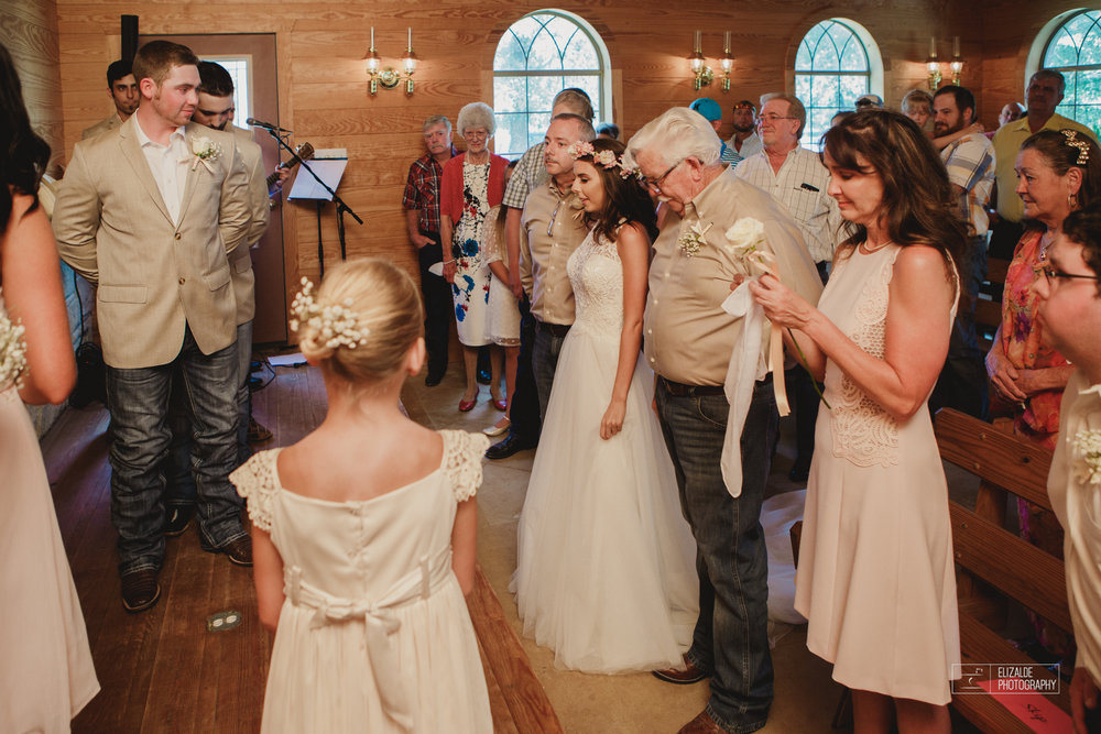 Wedding photographer Dallas_Elizalde Photography_DFW Wedding photographer_ Hickoty Hills_Wedding Photography (39 of 90).jpg