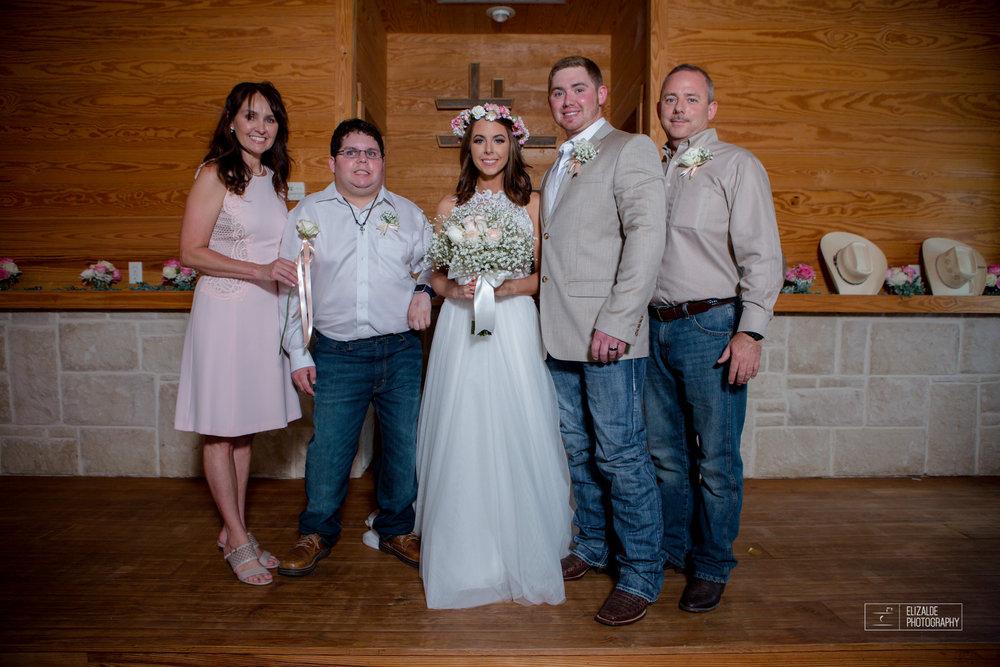 Wedding photographer Dallas_Elizalde Photography_DFW Wedding photographer_ Hickoty Hills_Wedding Photography (47 of 90).jpg