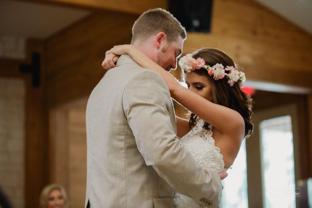 Wedding photographer Dallas_Elizalde Photography_DFW Wedding photographer_ Hickoty Hills_Wedding Photography (60 of 90).jpg