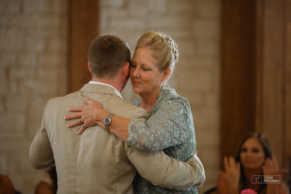 Wedding photographer Dallas_Elizalde Photography_DFW Wedding photographer_ Hickoty Hills_Wedding Photography (66 of 90).jpg