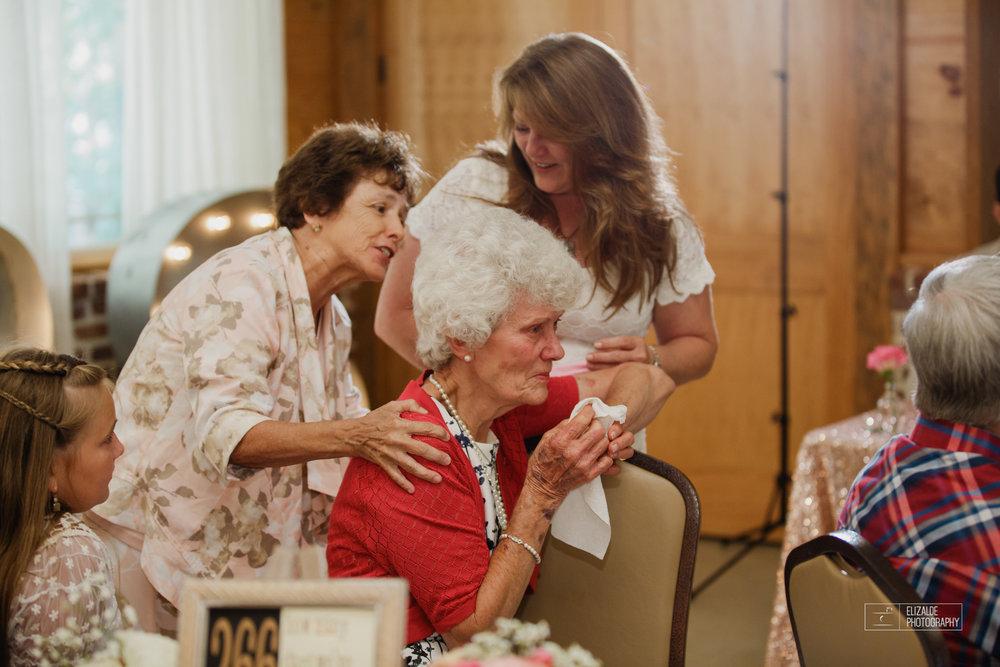 Wedding photographer Dallas_Elizalde Photography_DFW Wedding photographer_ Hickoty Hills_Wedding Photography (67 of 90).jpg