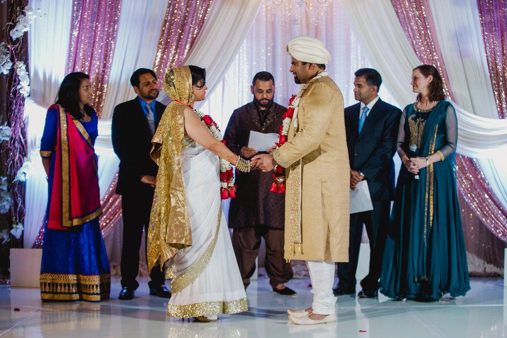 Indian wedding - Wedding photographer - Dallas Photographer - South Asian Wedding -  elizalde photography-39.jpg