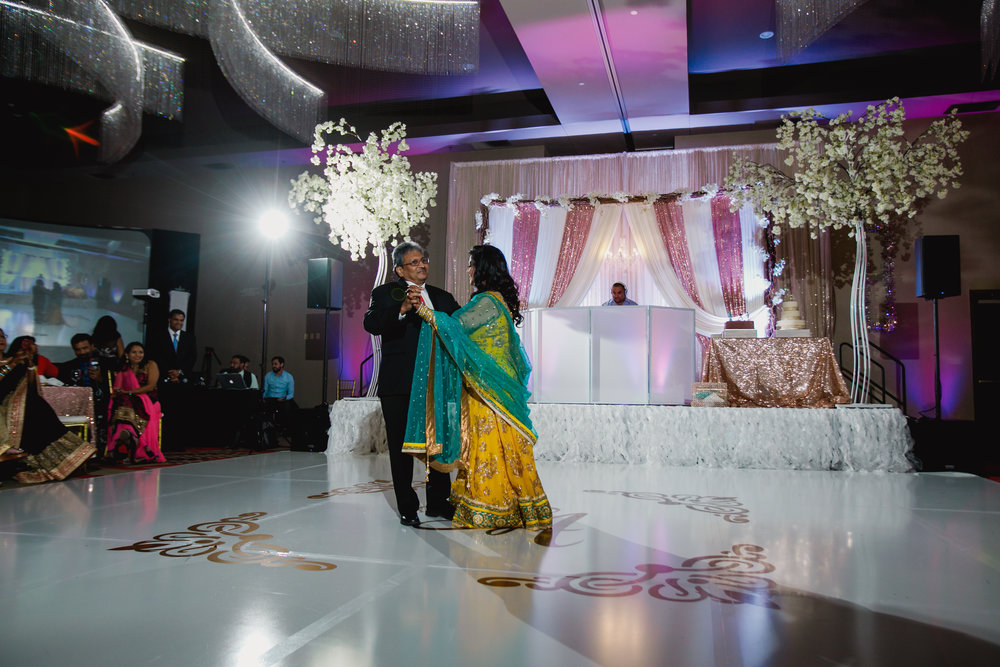 Indian wedding - Wedding photographer - Dallas Photographer - South Asian Wedding -  elizalde photography-87.jpg
