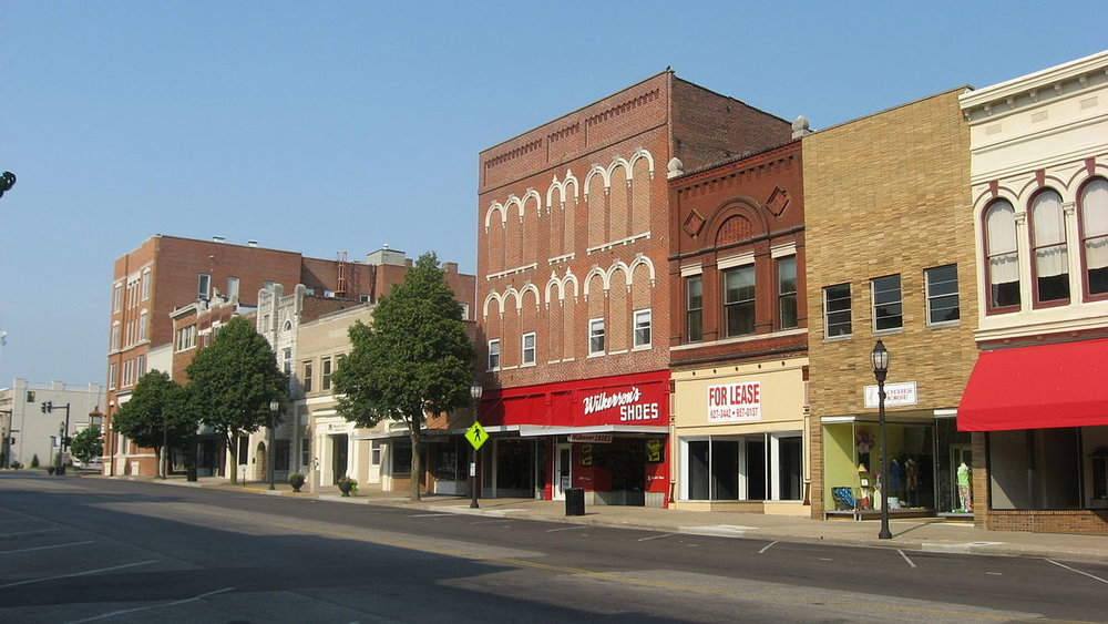 1200px-North_Main_in_downtown_Henderson.jpg