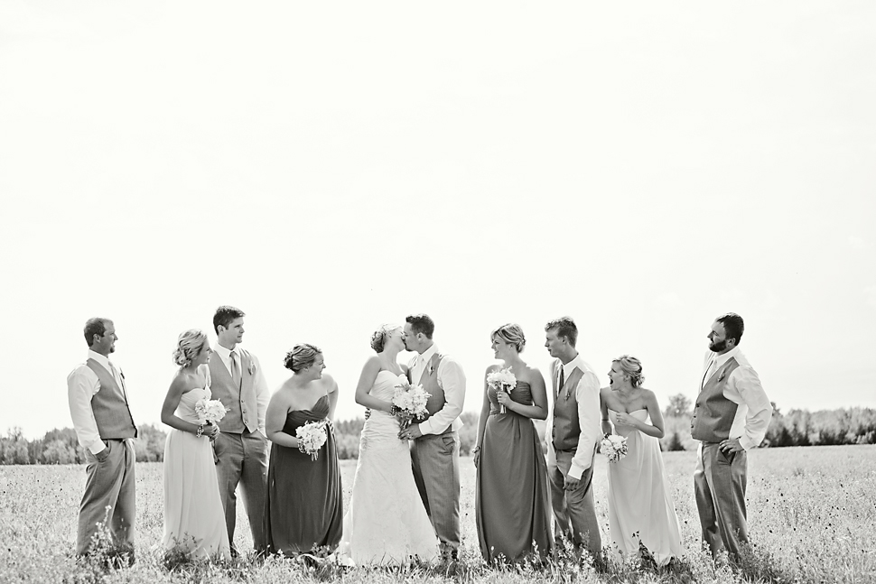 Pamela_Sutton_Outdoor_Wedding_Photographer_MN_25.jpg