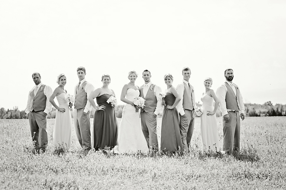 Pamela_Sutton_Outdoor_Wedding_Photographer_MN_26.jpg