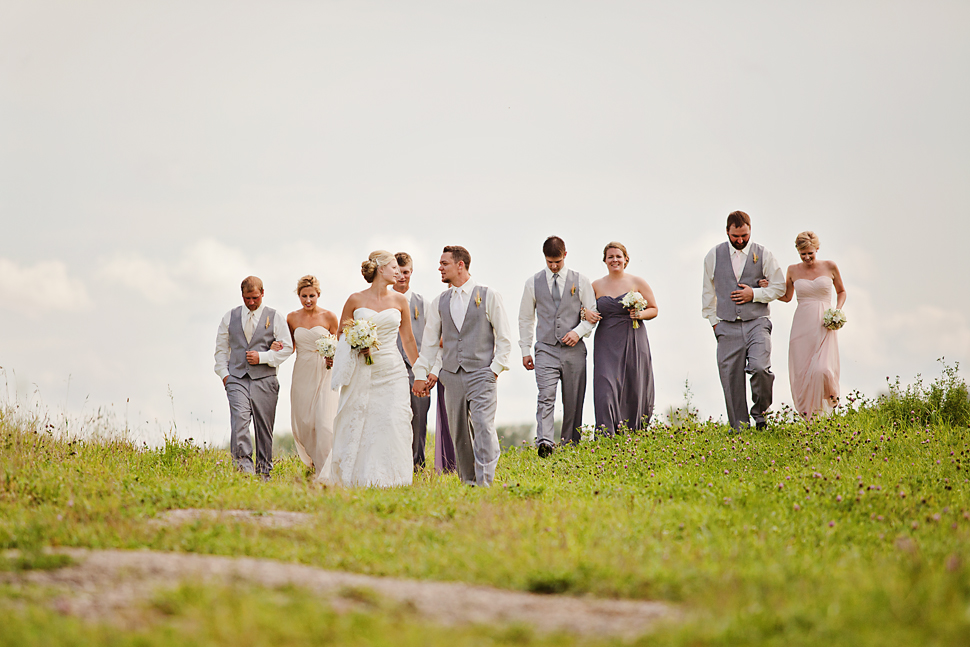 Pamela_Sutton_Outdoor_Wedding_Photographer_MN_27.jpg