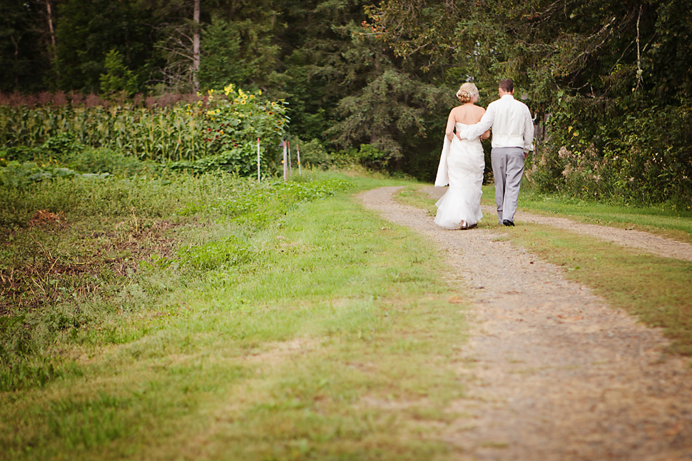 Pamela_Sutton_Outdoor_Wedding_Photographer_MN_31.jpg