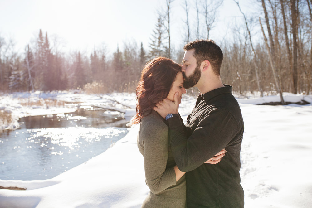 Bemidji_MN_Winter_Engagement_10.jpg