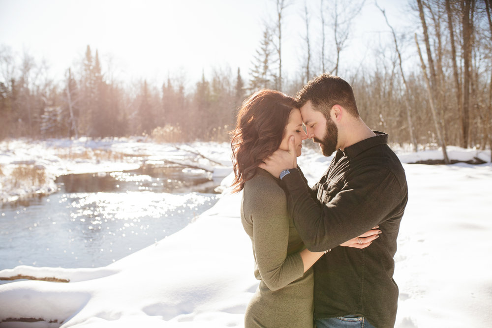 Bemidji_MN_Winter_Engagement_09.jpg