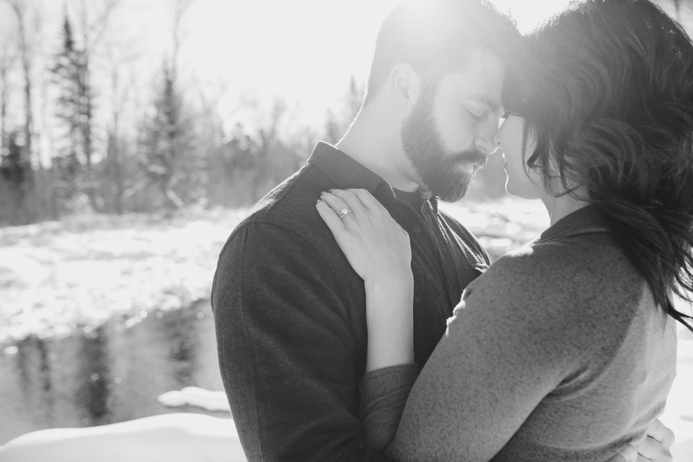 Bemidji_MN_Winter_Engagement_11.jpg