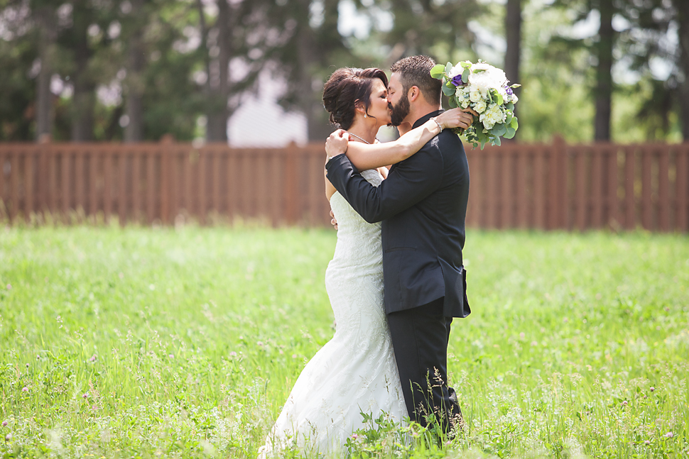 Pine_Creek_Resort_MN_Wedding_08.jpg