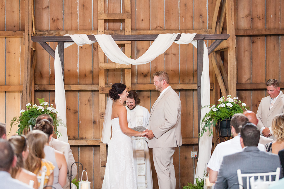 Cottage_Farmhouse_Wedding_MN_19.jpg