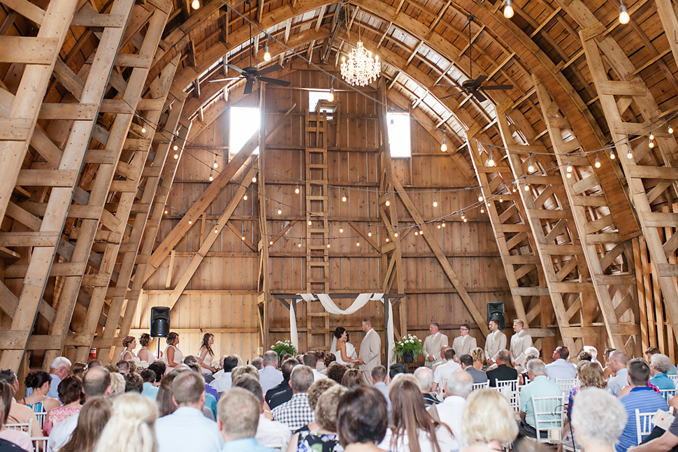 Cottage_Farmhouse_Wedding_MN_18.jpg