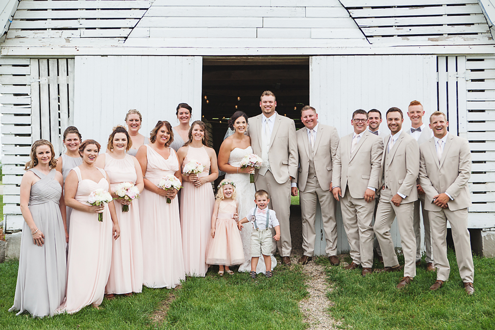 Cottage_Farmhouse_Wedding_MN_25.jpg