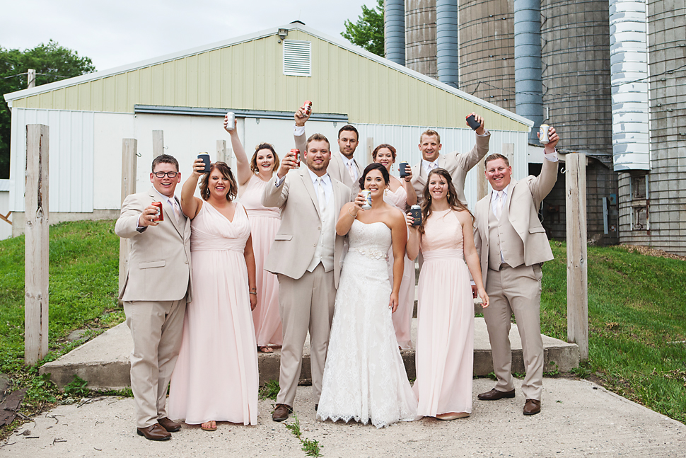 Cottage_Farmhouse_Wedding_MN_29.jpg