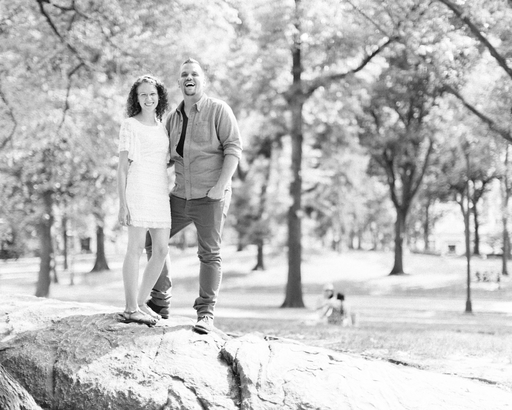 Calgary-Engagement-Photograoher-central-park-session.jpg