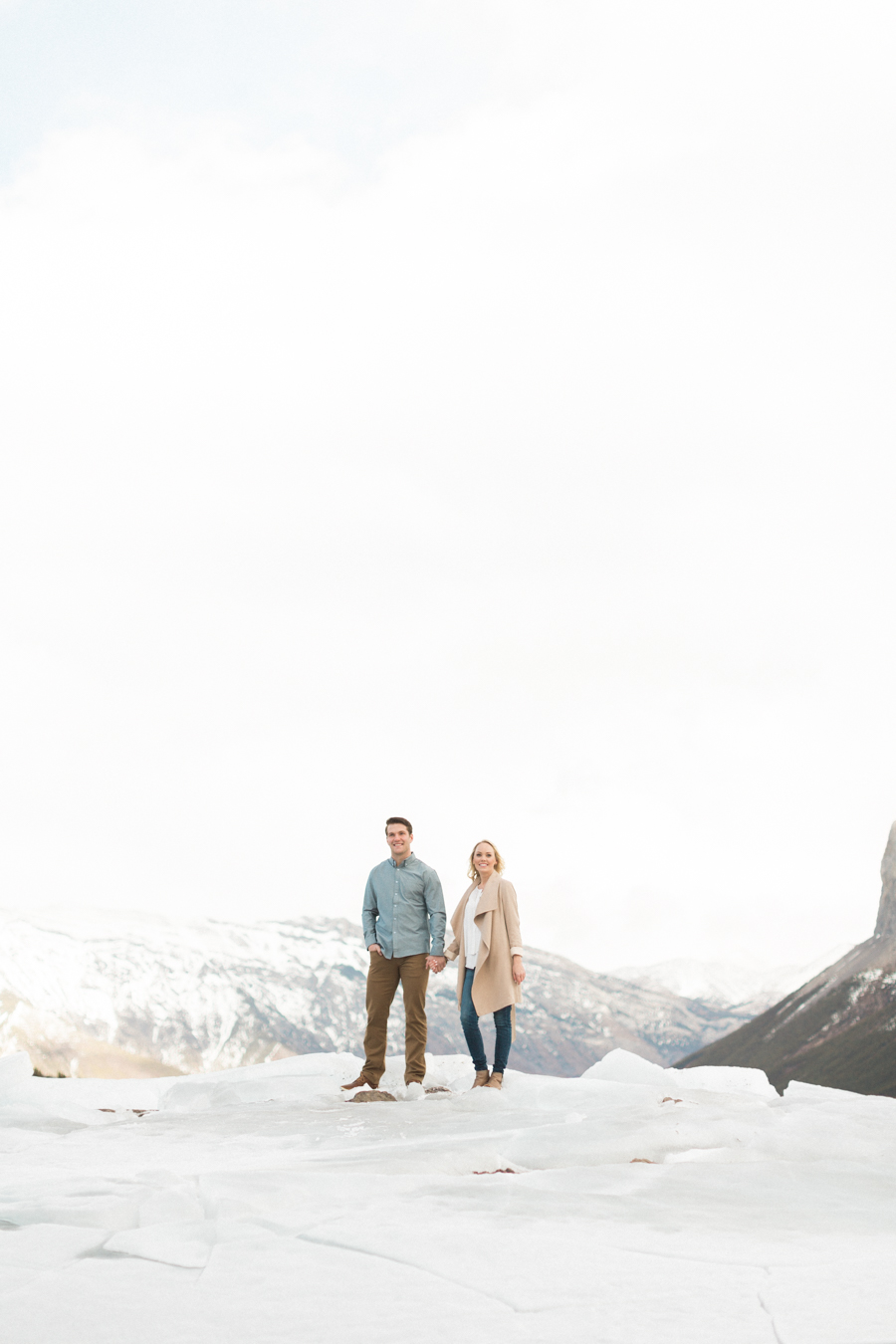 Lake-Minnewanka-engagement-photos-4.jpg