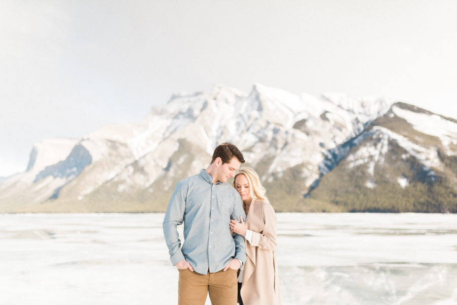 Lake-Minnewanka-engagement-photos-22.jpg