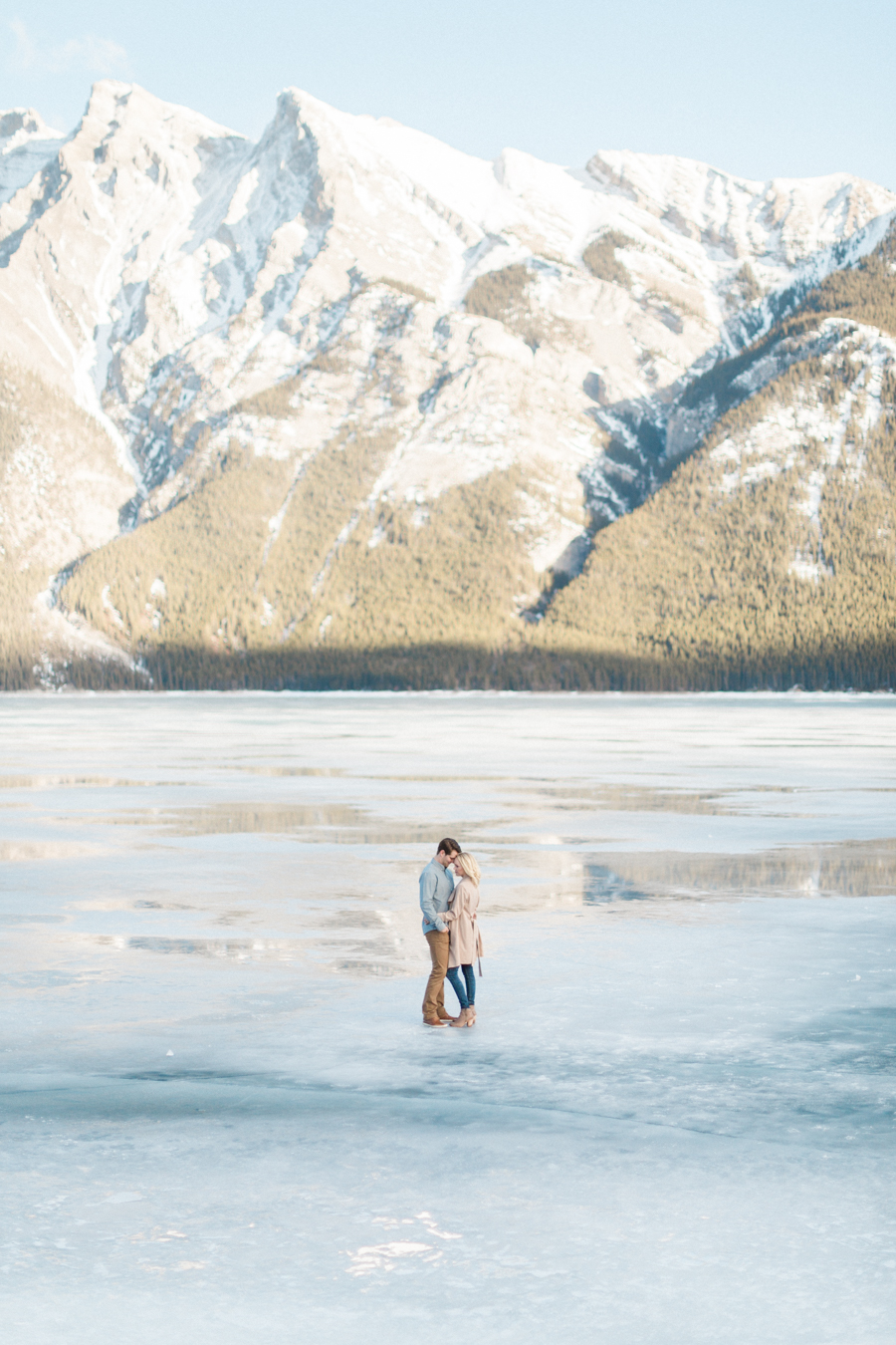 Lake-Minnewanka-engagement-photos-35.jpg