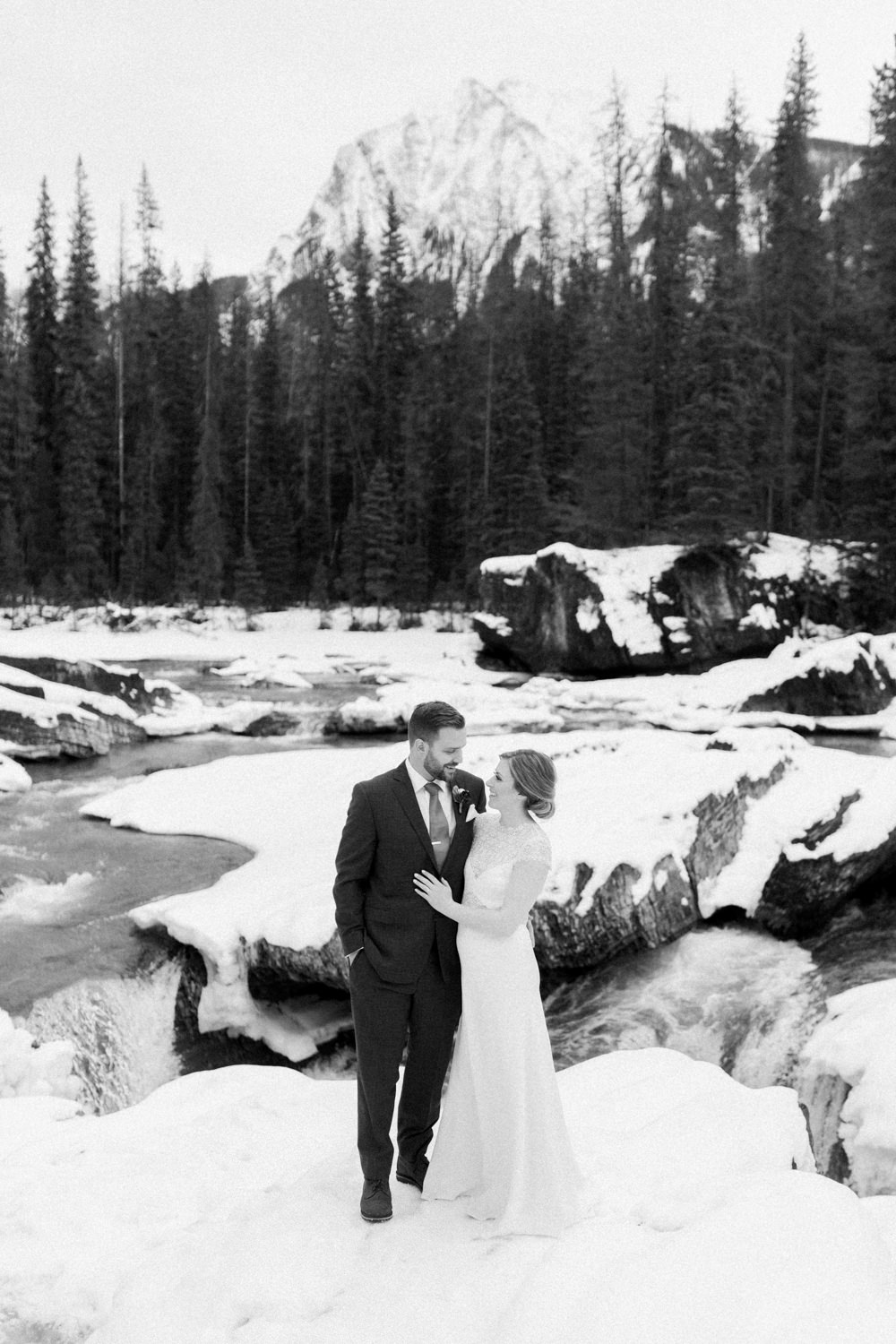 Matt-and-Jennas-Emerald-Lake-winter-wedding-20.jpg