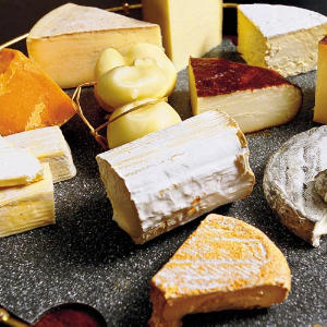 Las-Canarias-Restaurant-cheese-cart-m