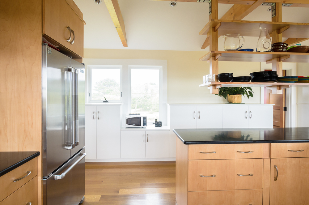 Kitchen_Associates_Marthas_Vineyard_MA-10.jpg
