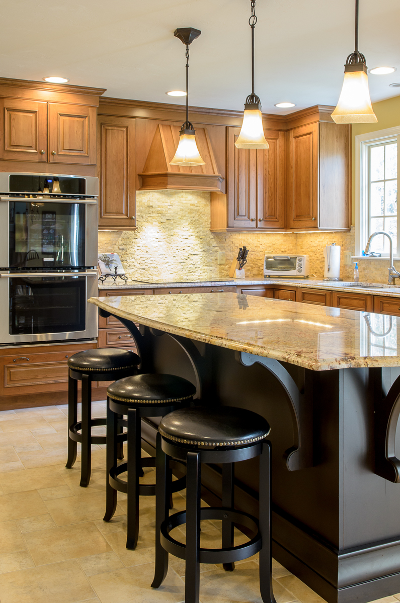 Kitchen_Associates_Shrewsbury_MA-11.jpg
