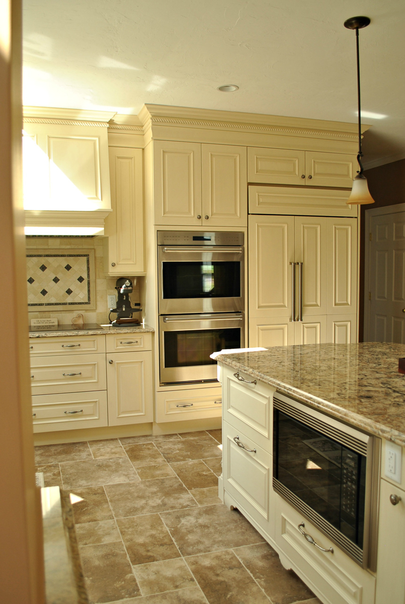 Shrewsbury_Remodel_Kitchen_Associates-2-2.jpg