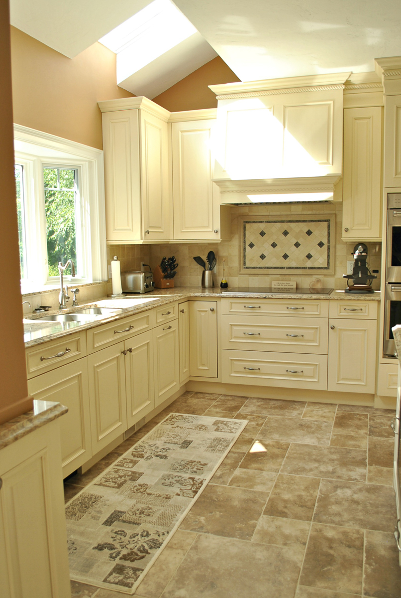 Shrewsbury_Remodel_Kitchen_Associates-3-3.jpg