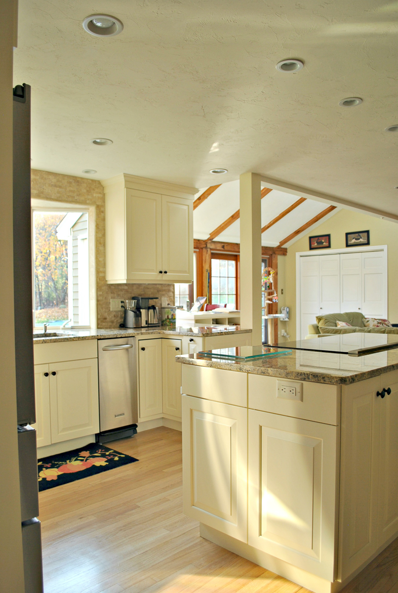 Harvard_MA_Kitchen_Remodel_Kitchen_Associates-8.jpg