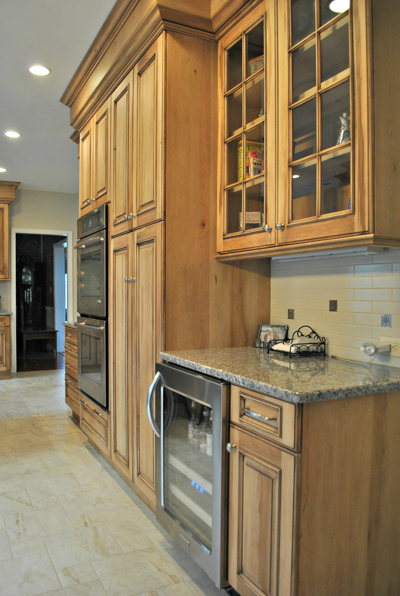 Westborough_MA_Kitchen_Remodel_Kitchen_Associates-10.jpg