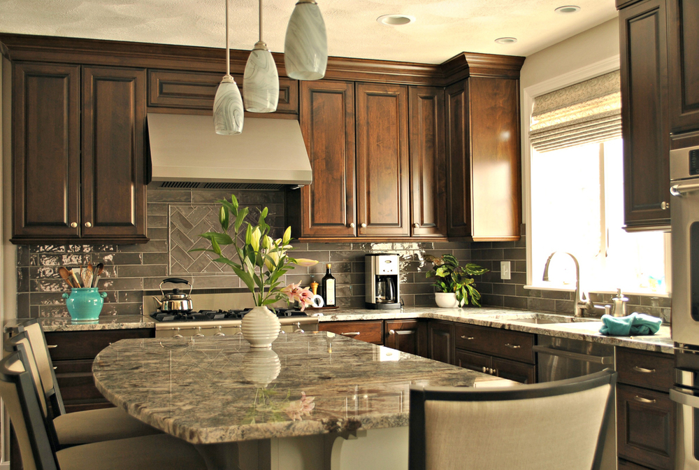 Chelmsford_MA_Kitchen_Remodel_Kitchen_Associates-1.jpg