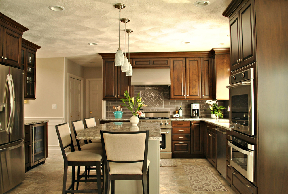 Chelmsford_MA_Kitchen_Remodel_Kitchen_Associates-3.jpg