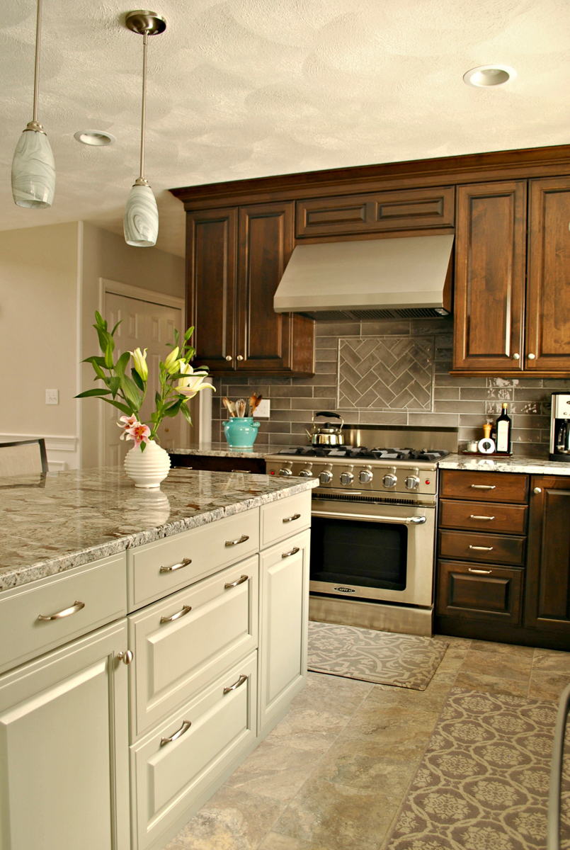 Chelmsford_MA_Kitchen_Remodel_Kitchen_Associates-8.jpg