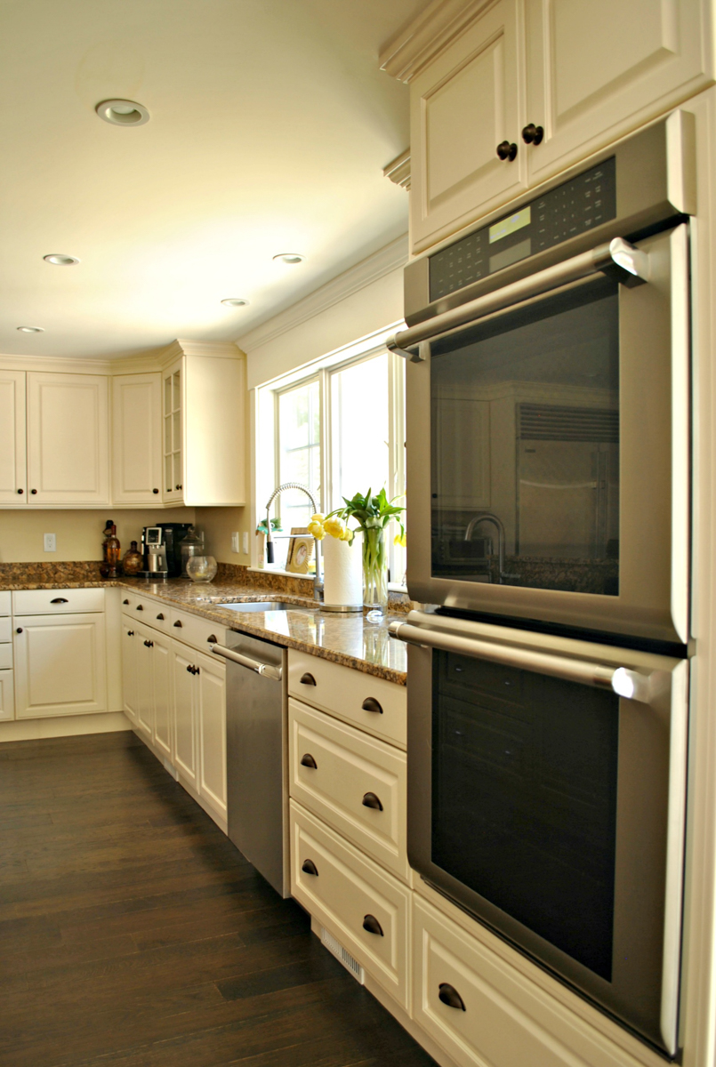 Weston_MA_Kitchen_Remodel_Kitchen_Associates-2.jpg