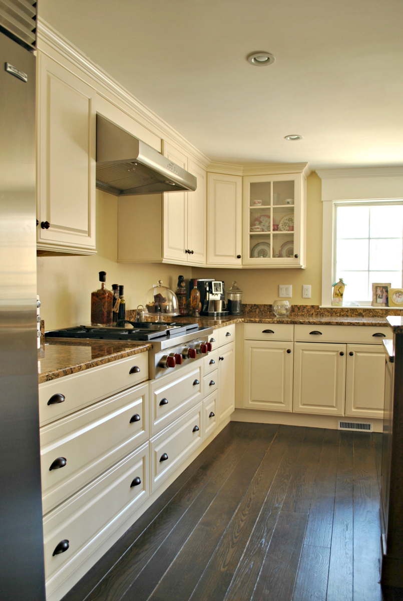Weston_MA_Kitchen_Remodel_Kitchen_Associates-4.jpg