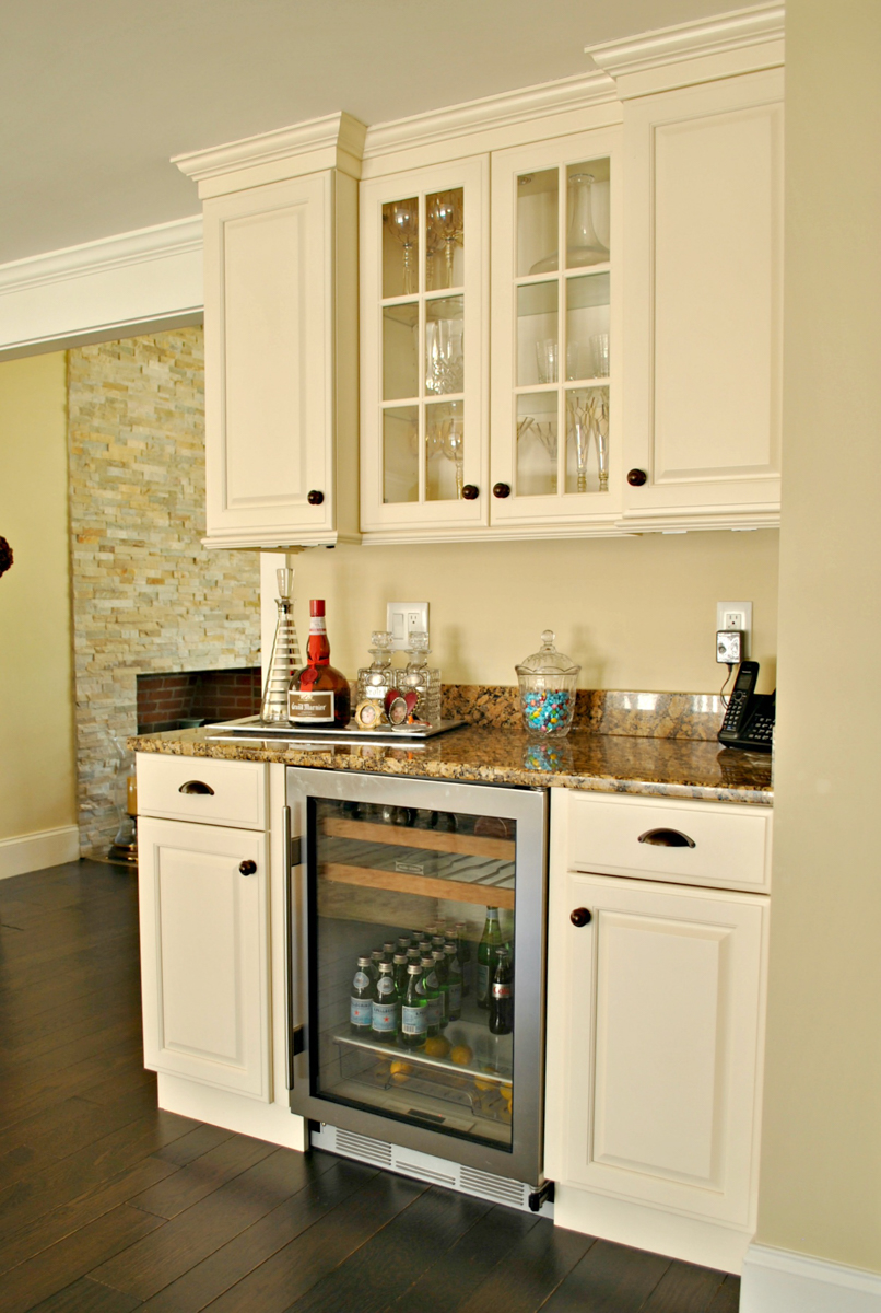 Weston_MA_Kitchen_Remodel_Kitchen_Associates-5.jpg