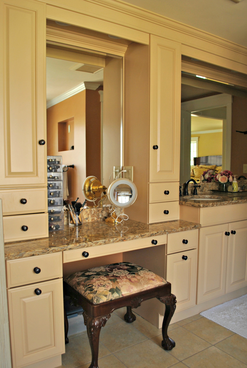 Weston_MA_Kitchen_Remodel_Kitchen_Associates-6.jpg